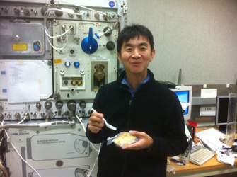 The ISS training is really tough, but also intriguing! One example is training on how to use the Portable Water Dispenser (PWD). Space food is cooked (?) with poured hot water. I enjoyed this pleasant and nice training!