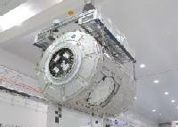 写真:NASAケネディ宇宙センター(KSC)で整備されるトランクウィリティー(出典:JAXA/NASA)
