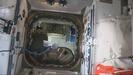「こうのとり」9号機の補給キャリア与圧部のハッチが閉じられました