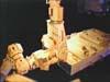 画像:曝露パレットを船外実験プラットフォームから取り外す作業が開始されましたへリンク