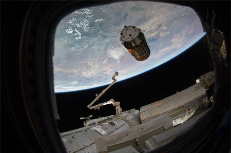 HTV2 approaching the ISS (Credit: JAXA/NASA)