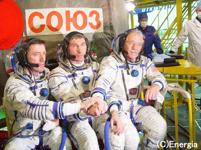 国際宇宙ステーションのクルー交...