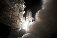 写真:ディスカバリー号の打上げ