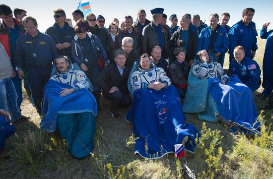 国際宇宙ステーションへのクルー交代/ソユーズ宇宙船交換ミッション ...