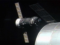 打上げから約6時間後、ドッキングに向けてISSへ接近する48P(出典:JAXA/NASA)