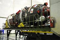 打ち上げに向けた準備が進められるプログレス補給船(68P)
