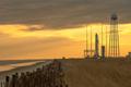写真:射点に立つアンタレスロケット