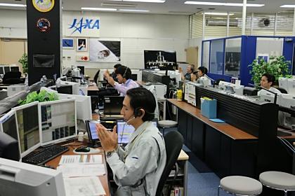 大西宇宙飛行士がキャプチャに成功した時の「こうのとり」管制室