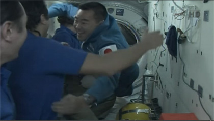 写真:ISSにドッキングしたソユーズ宇宙船(31S)