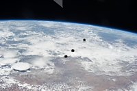 「きぼう」から放出された超小型衛星