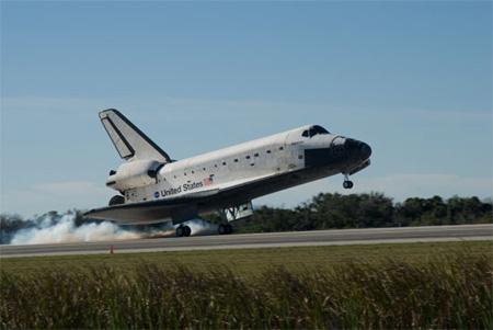 写真:アトランティス号の着陸