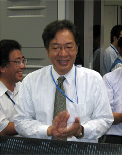 Principal Investigator (PI) Masato Shioya (Professor of Kyoto University) monitoring the activation of the SMILES from the User Operations Area (UOA)