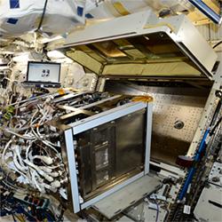 多目的実験ラック2(MSPR-2)に設置された静電浮遊炉(ELF)