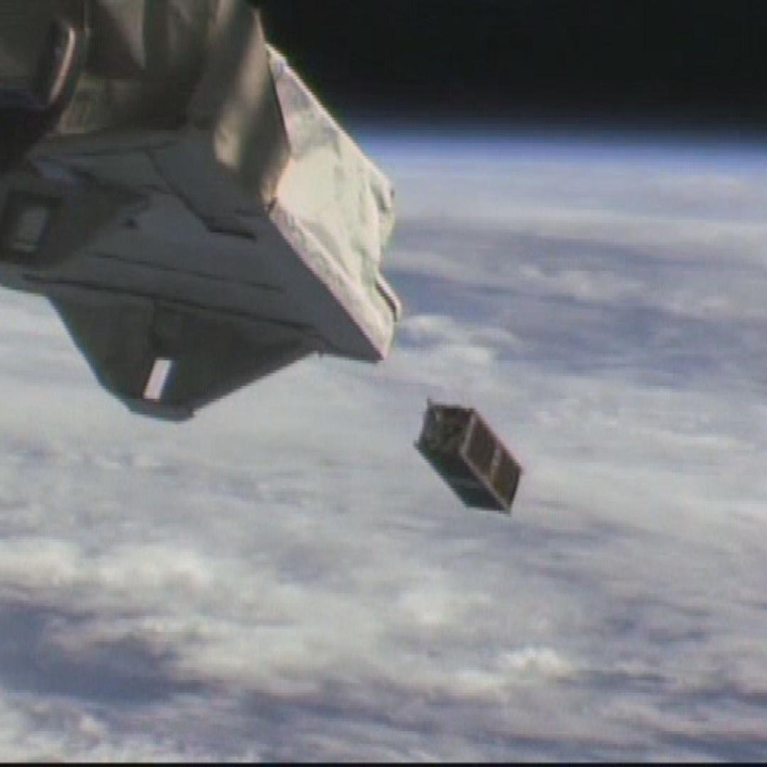 「きぼう」から超小型衛星3機放出に成功!
