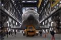 オービタのスペースシャトル組立棟(Vehicle Assembly Building: VAB)への移動