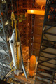 外部燃料タンク(External Tank: ET)への結合準備(スペースシャトル組立棟(Vehicle Assembly Building: VAB))
