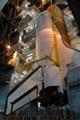 外部燃料タンク(External Tank: ET)へのオービタの結合(スペースシャトル組立棟(Vehicle Assembly Building: VAB))