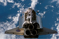 ランデブ・ピッチ・マヌーバ(Rendezvous Pitch Maneuver: RPM)中にISSから撮影されたアトランティス号(飛行3日目)