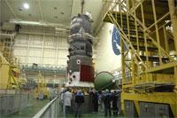 打上げ準備中のプログレス補給船(29P)