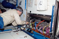 「ハーモニー」(第2結合部)内で作業をするスティーブ・フリック宇宙飛行士(飛行8日目)