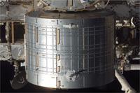 画像:ISSに取り付けられた船内保管室