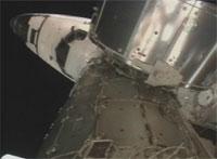 写真:ISSにドッキングしたディスカバリー号