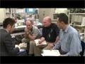 CsPINs実験に関わる訓練を受ける古川宇宙飛行士ら