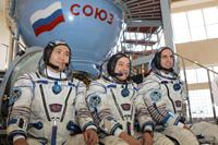 写真:第36/第37次のバックアップクルーである、若田光一、ミハイル・チューリン、リチャード・マストラキオ宇宙飛行士(左から)