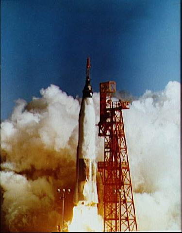 STS-95 向井宇宙飛行士再び宇宙...