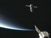 ピアースに接近するソユーズ宇宙船(18S)(提供:NASA)