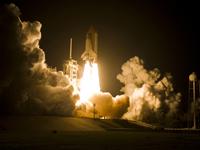 ディスカバリー号の打上げ(提供:NASA)