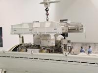 ペイロードキャニスターに搭載されるELC-2 (提供:NASA)