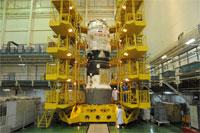 打上げ準備中のM-MRM2宇宙船(©S.P.Korolev RSC Energia)