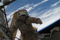 船外活動を行うコトフ宇宙飛行士(提供:NASA)