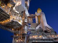 39A射点のディスカバリー号(提供:NASA)
