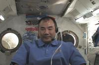 ICSを利用した交信イベントに参加する「きぼう」船内実験室の野口宇宙飛行士(提供:JAXA)