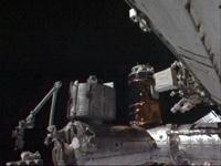 ディスカバリー号の到着に備えハーモニーの天頂側に移動された「こうのとり」2号機(出典:JAXA/NASA)