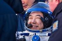 帰還直後の古川宇宙飛行士(出典:JAXA/NASA/Bill Ingalls)
