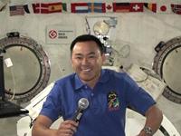 「きぼう」船内実験室から交信イベントに参加する星出宇宙飛行士(出典:JAXA/NASA)
