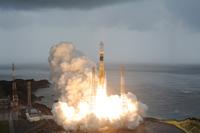 「こうのとり」3号機を搭載したH-IIBロケット3号機の打上げ(出典:JAXA)