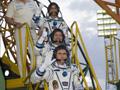 ソユーズ宇宙船に搭乗する星出宇宙飛行士ら