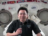 交信イベントに参加する星出宇宙飛行士(11月6日撮影)(出典:JAXA/NASA)
