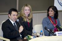 報道関係者の質問に答える宇宙飛行士(出典:JAXA/GCTC)