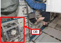船内実験室で作業を行うグレゴリー・シャミトフ宇宙飛行士(提供:NASA)