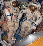ロシアのオーラン宇宙服(提供:NASA)
